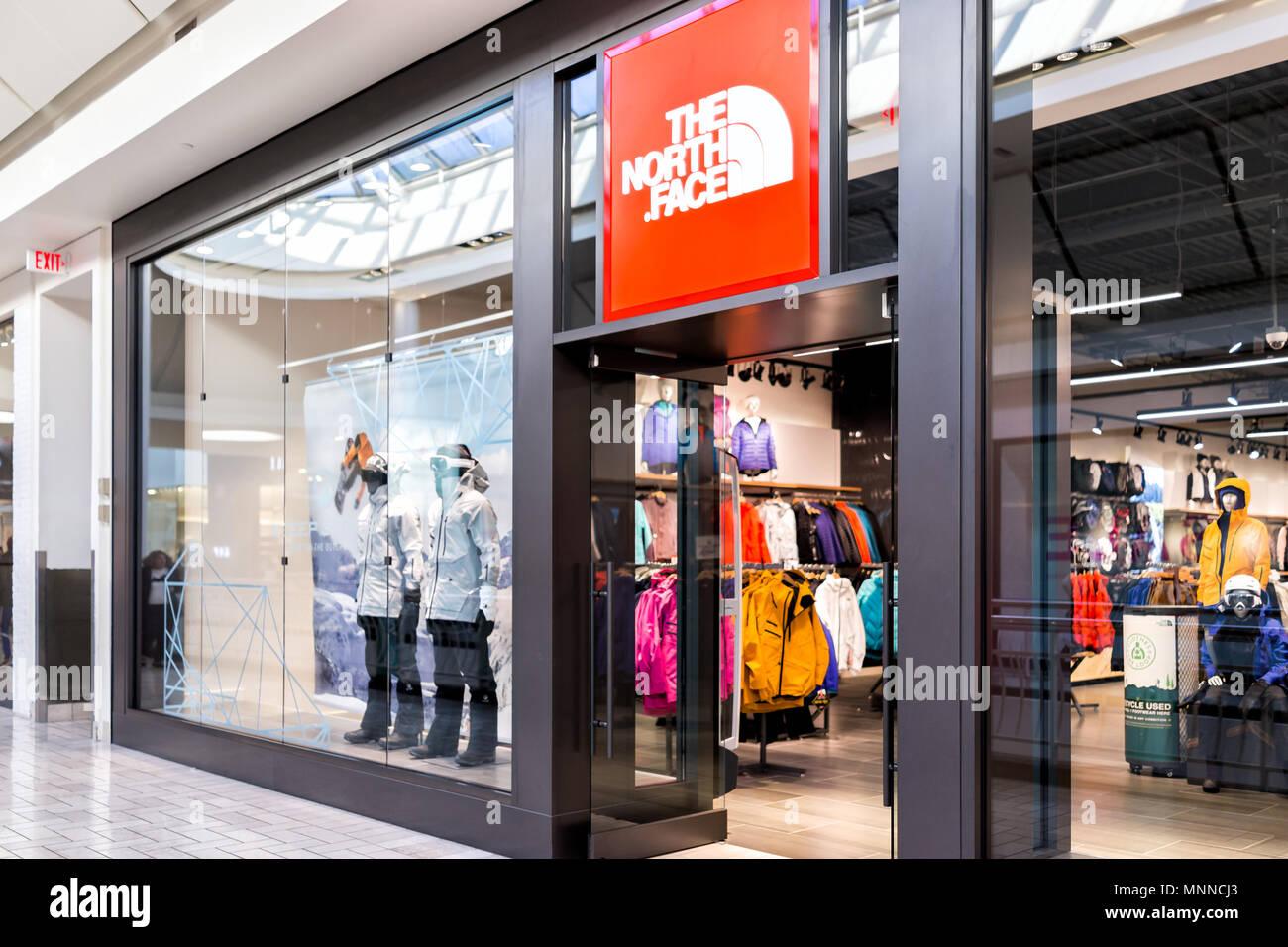 85e47d988 Shopping Mall Usa Sale Stock Photos & Shopping Mall Usa Sale Stock ...