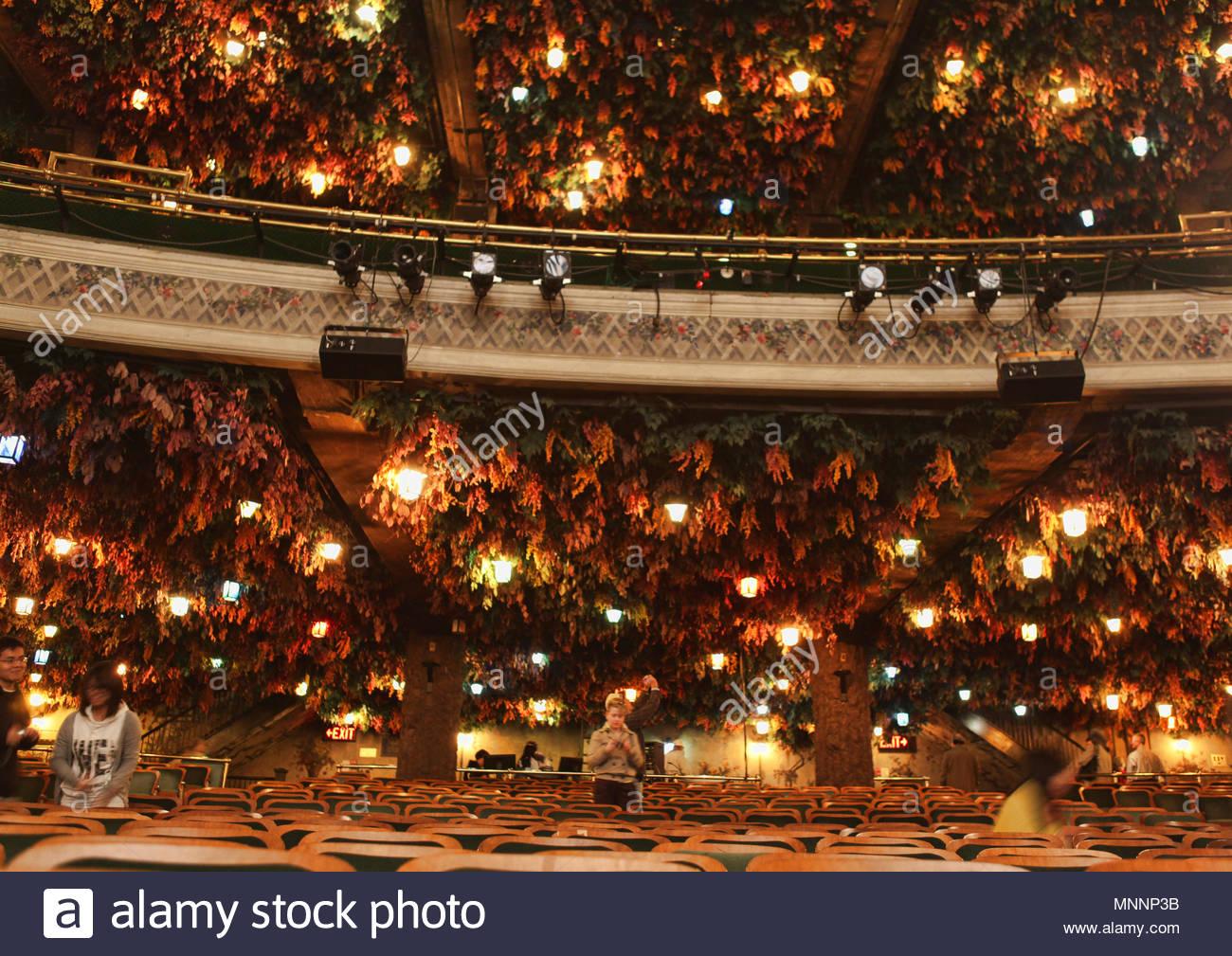 Winter Garden Theatre Stock Photos & Winter Garden Theatre Stock ...