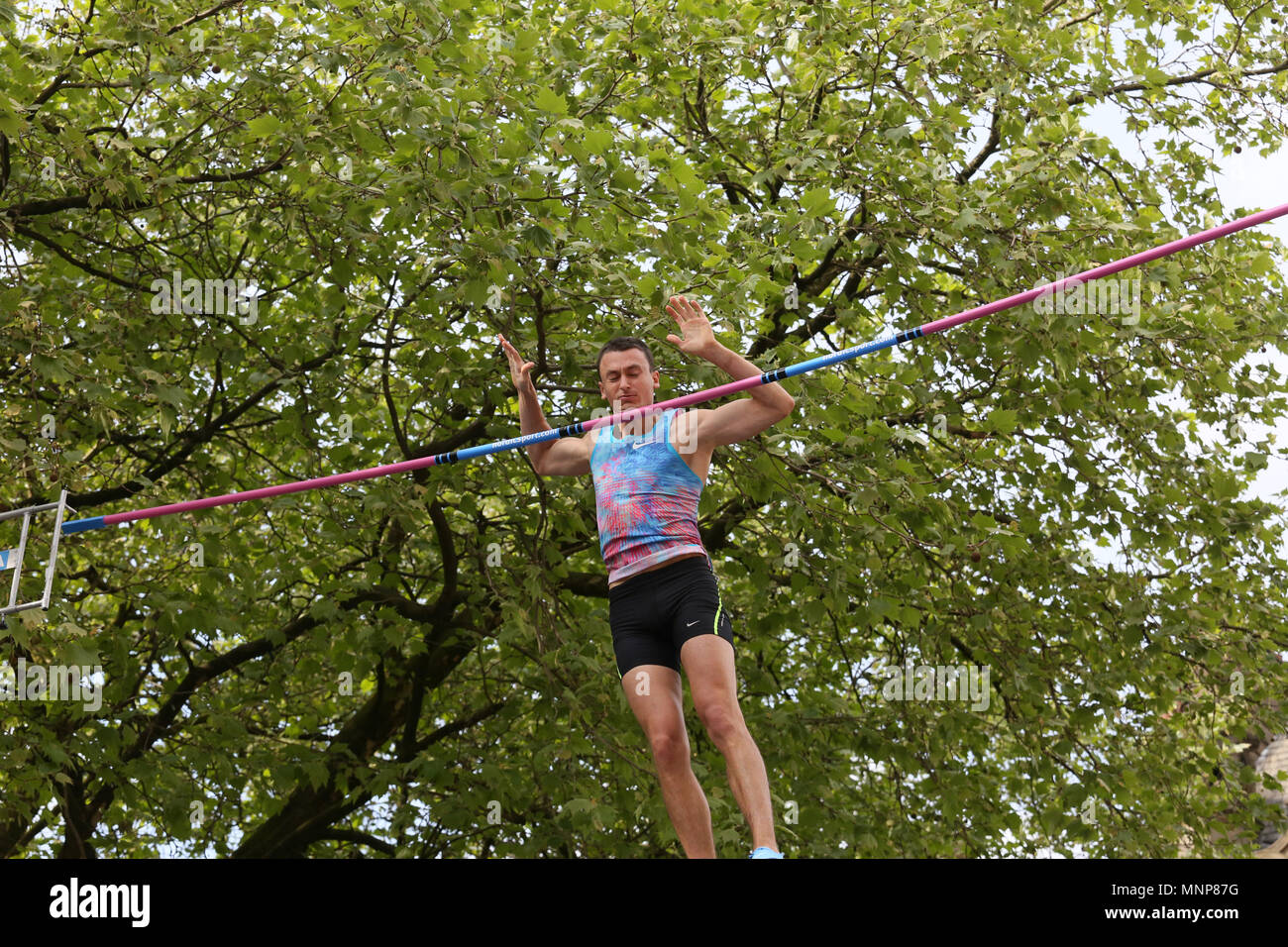Manchester, UK. 18th May, 2018. Stanley Joseph catches his chin on the pole vault at the Arcadis Great City Games, Manchester,18th May, 2018 (C)Barbara Cook/Alamy Live News - Stock Image