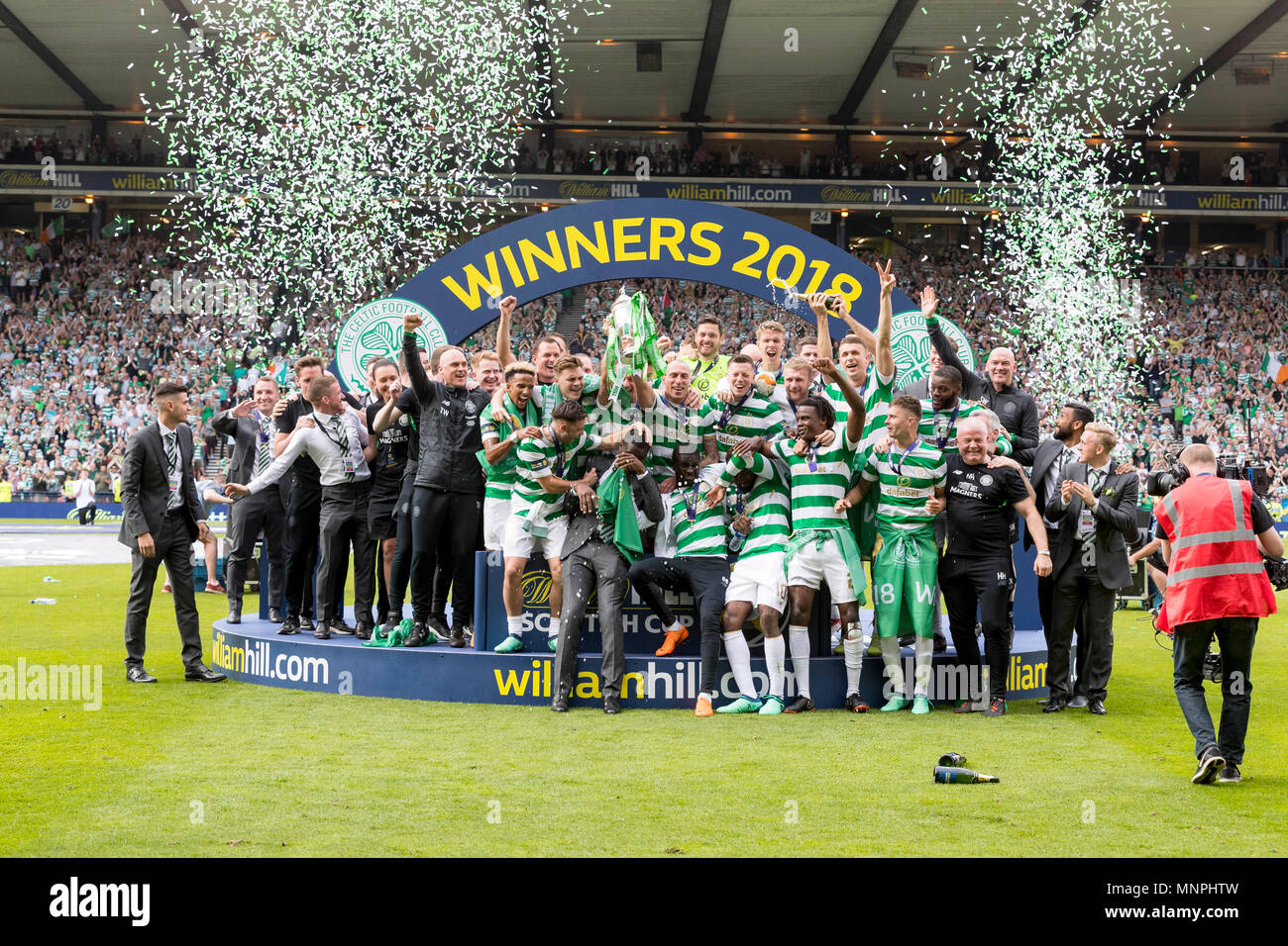 Hampden Park, Glasgow, UK. 19th May, 2018. Scottish Cup football final, Celtic versus Motherwell; Celtic squad celebrate at trophy presentation Credit: Action Plus Sports/Alamy Live News Stock Photo