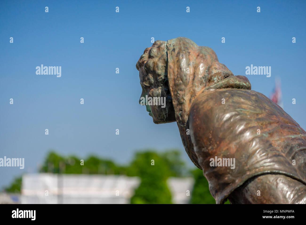 The bronze statue of John le Fleming, mayor of Southampton in the 14th century, Southampton, Hampshire, England Stock Photo