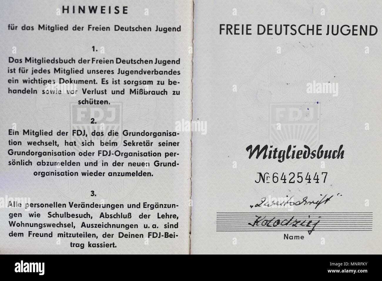 FDJ Freie Deutsche Jugend membership book. 1960s, 1970s. Belonging to Thomas Koladzieg born 15/5/1949. Stock Photo