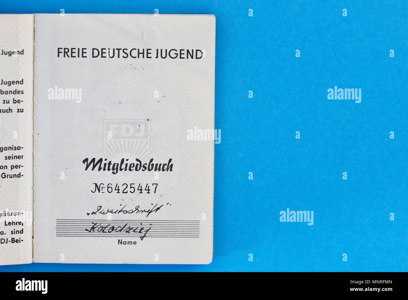FDJ Freie Deutsche Jugend membership book. 1960s, 1970s. Belonging to Thomas Koladzieg born 15/5/1949. Stock Photo