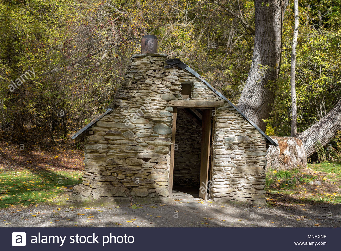 Chinese Workers Hut Built During The Gold Rush Days In Arrowtown New