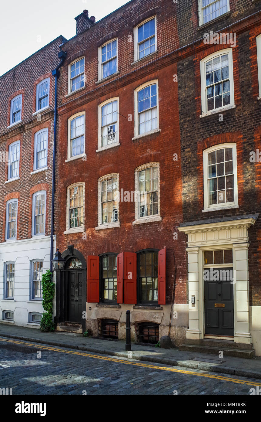 Dennis Severs House Spitalfields London a preserved Huguenot house at 18 Folgate Street in East London, where families of silk weavers lived from 1724 - Stock Image