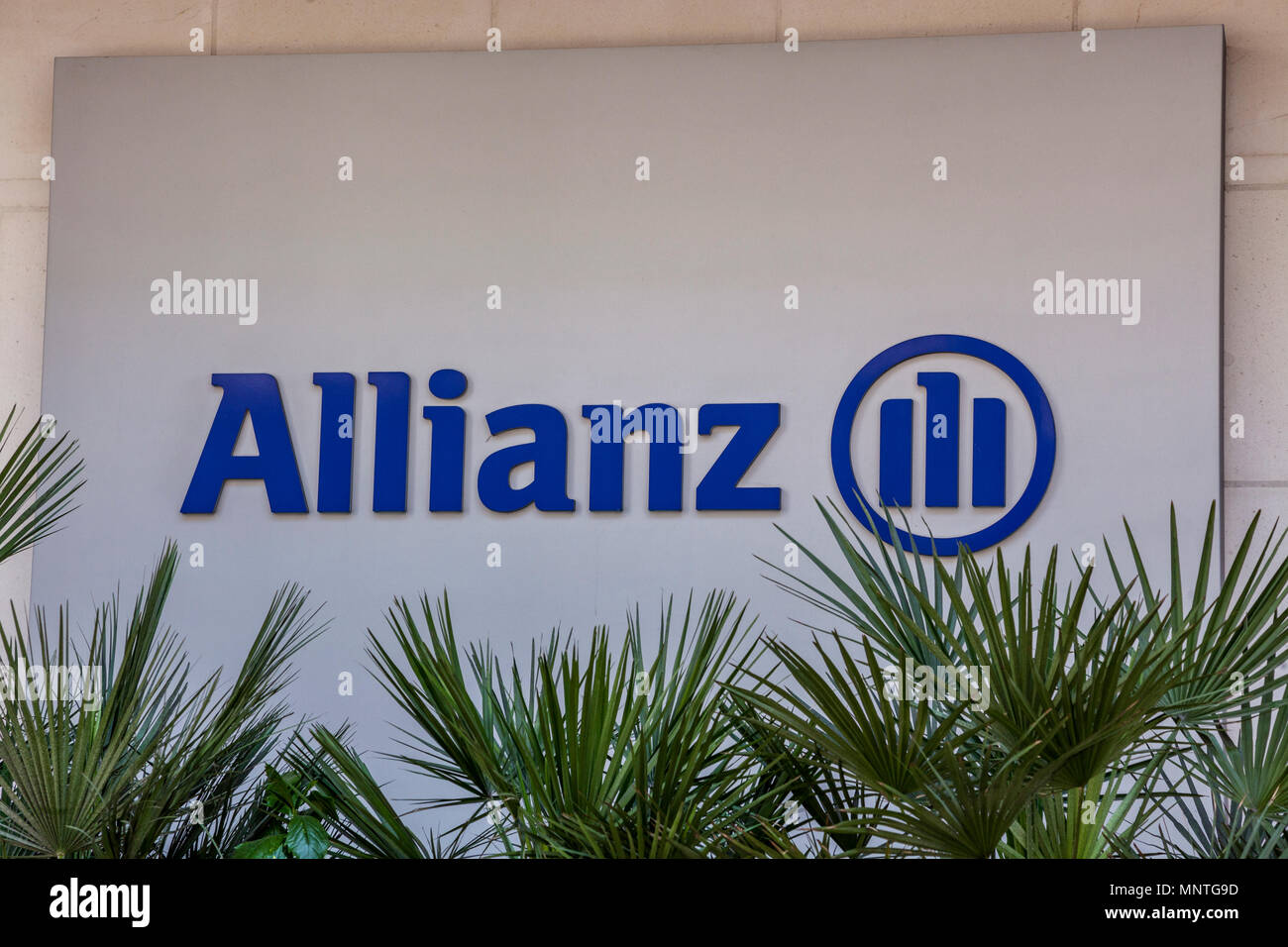 Allianz Global Investors office on Bishopsgate in the City of London - Stock Image