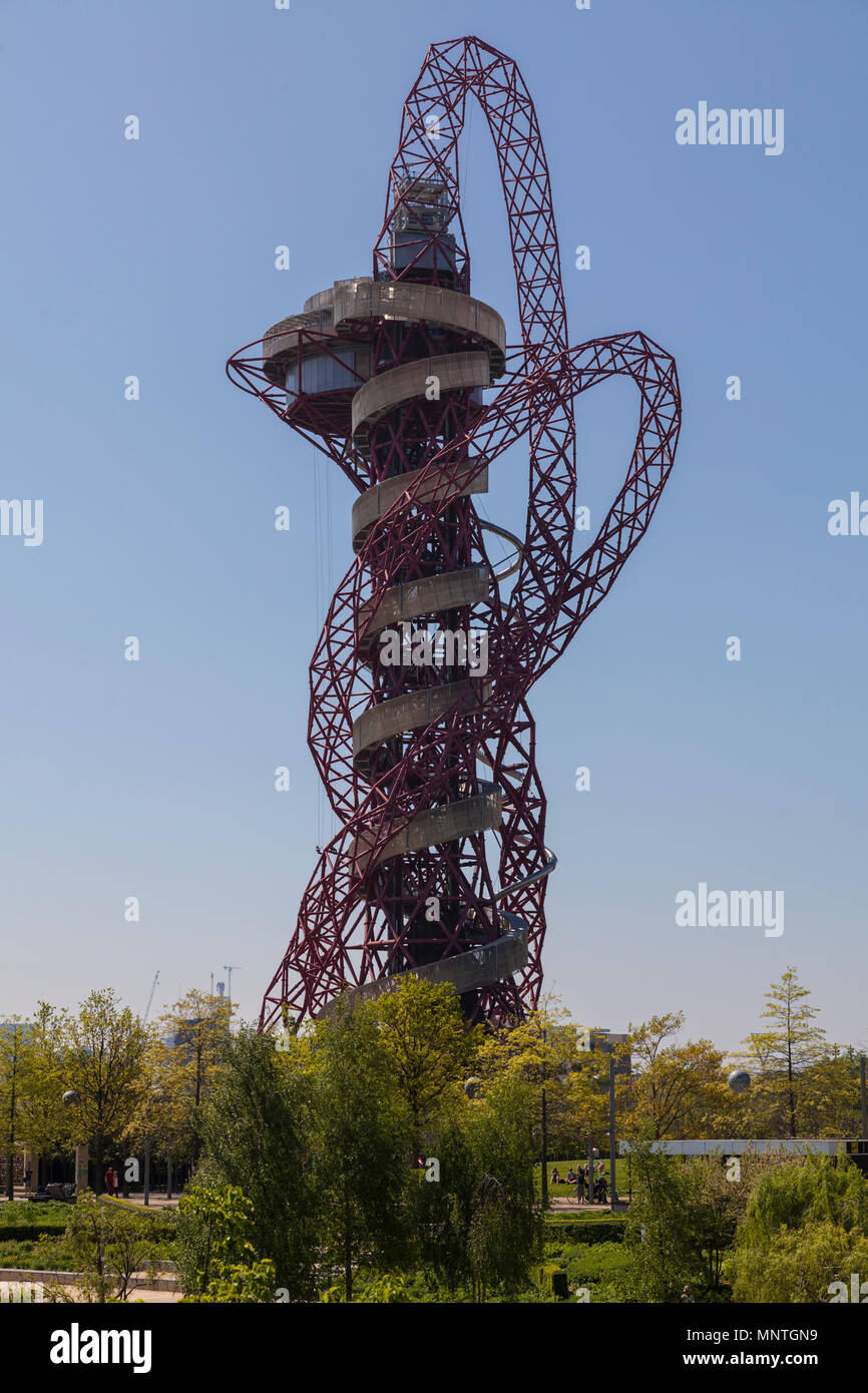 Arcelormittal Orbit sculpture at the Queen Elizabeth Olympic park in London - Stock Image