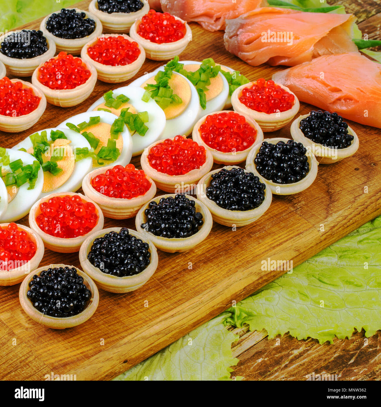 Tartlets with caviar. How to cook tartlets with red caviar 2