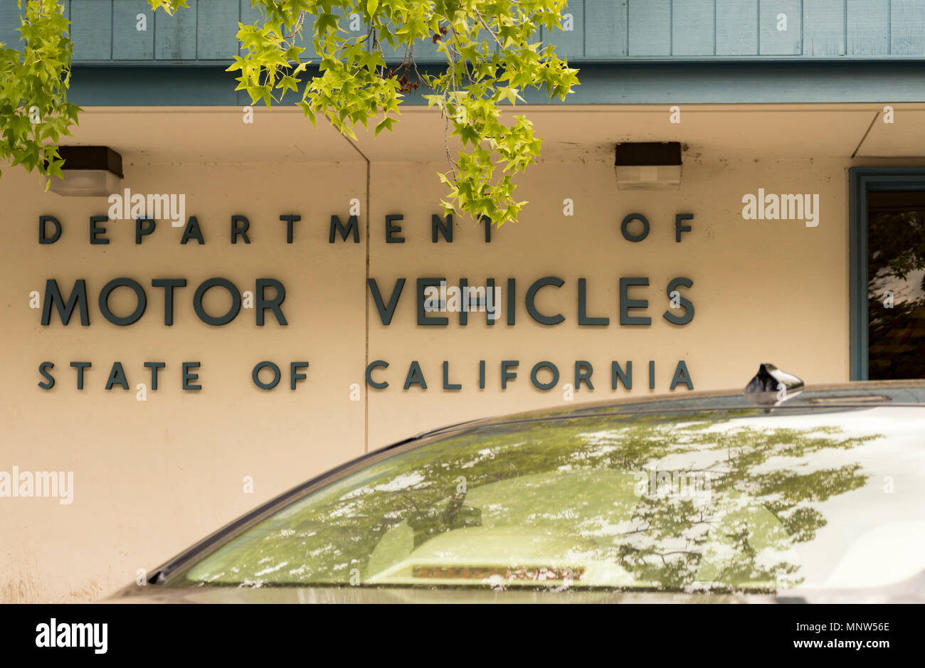 Los Gatos, California, USA - May 16, 2018: State of California Department of Motor Vehicles (DMV) sign in the town of Los Gatos, Northern California. - Stock Image