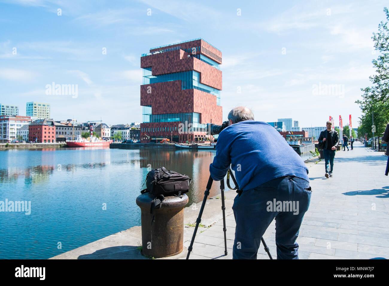Tourists taking Pictures of museum aan de Stroom Stock Photo