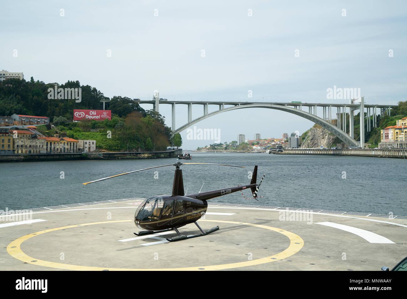 Arrbida Bridge & Raven II Helicopter - Stock Image