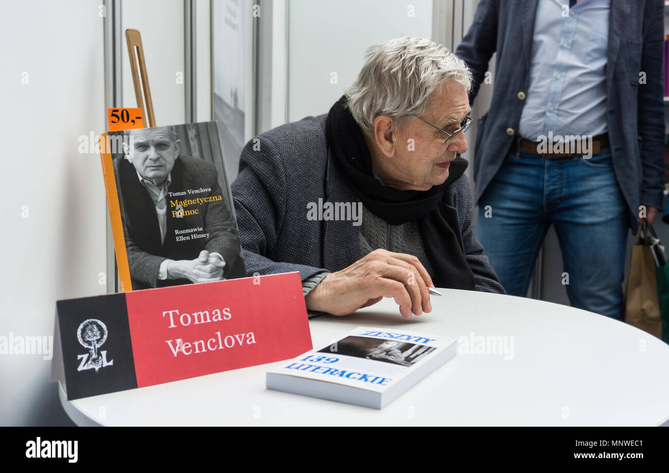 Warsaw, Poland. 19th May 2018. The four-day 9th International Warsaw Book Fair took place in the Polish capital city. The book fair in Warsaw is one of the oldest fairs in Europe. Tomas Venclova signs a copy of his book. Credit: dario photography/Alamy Live News Stock Photo