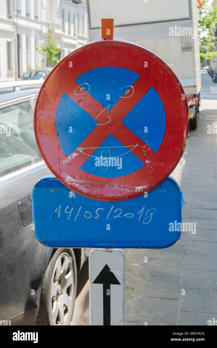 no parking zone sign with smiley on it, antwerp, belgium Stock Photo