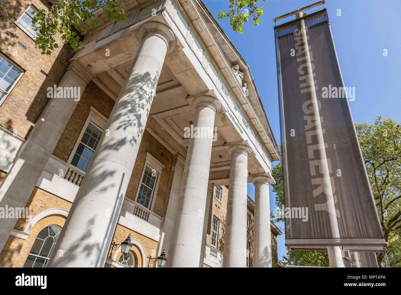 Entrance to the Saatchi Gallery in Chelsea, London - Stock Image
