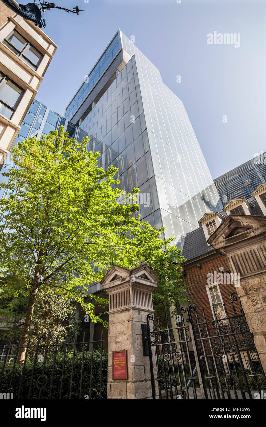 Rothschild bank headquarters in the heart of the City of London, designed by OMA. - Stock Image
