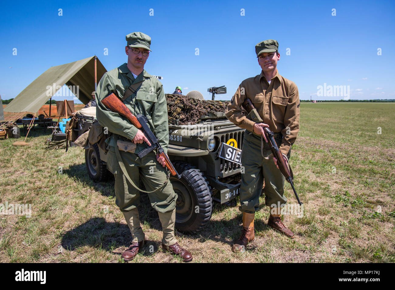 Army servicemen at Central Texas Airshow - Stock Image