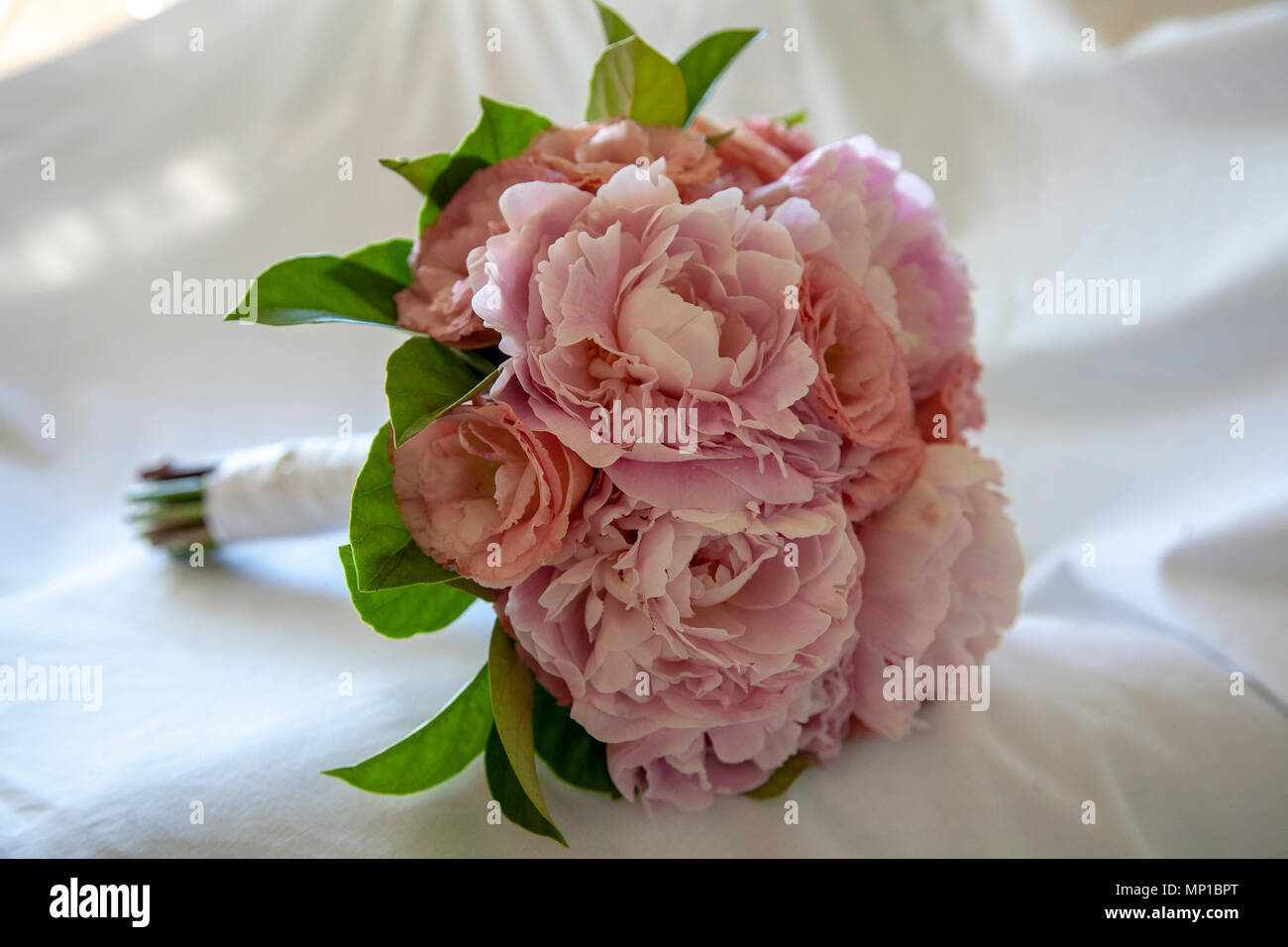 Mauve Peonies On White And Sea Classy Vintage Home Decor Bouquet