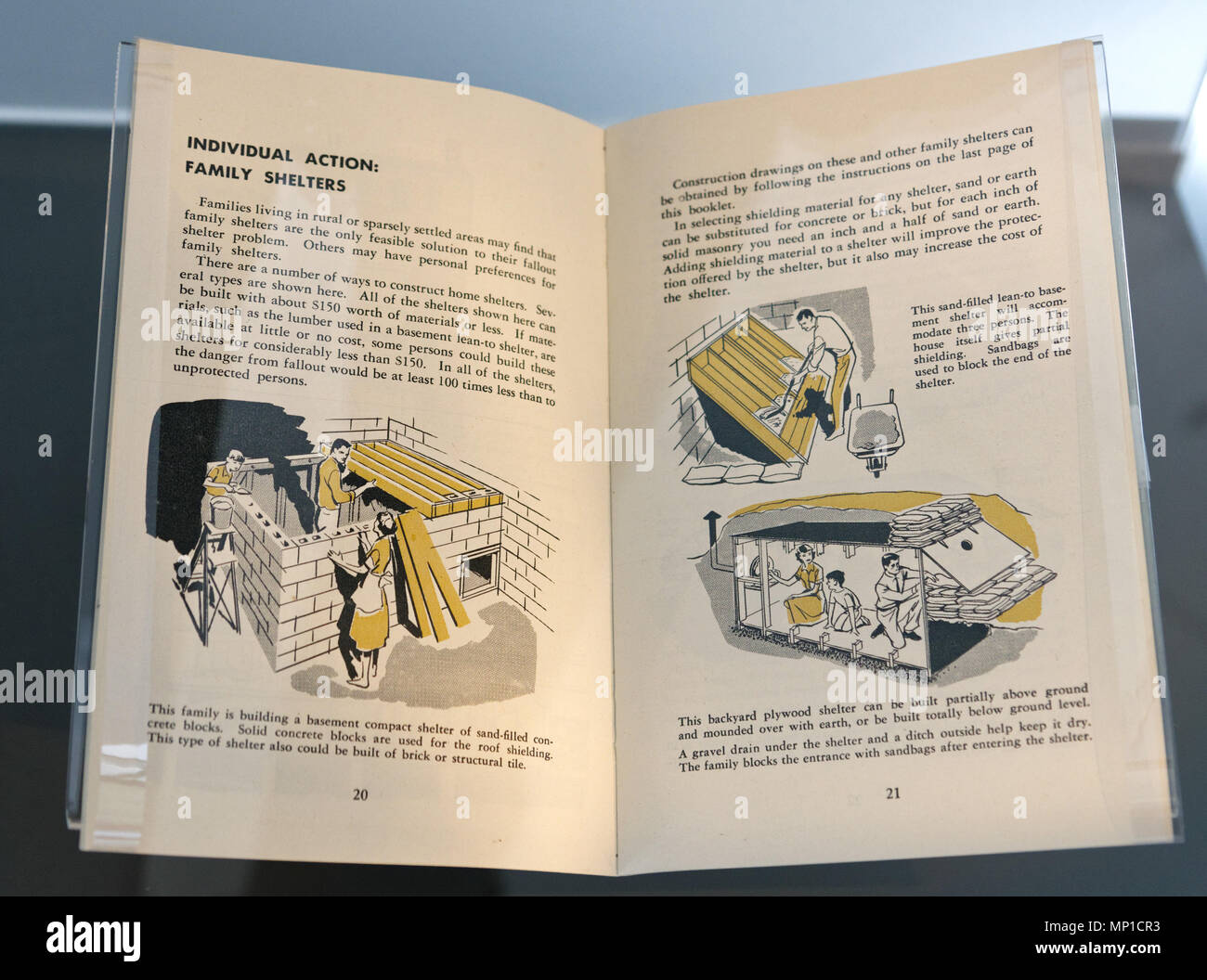 A booklet from the Cold War describing how to build a family shelter in case of nuclear attack - Stock Image
