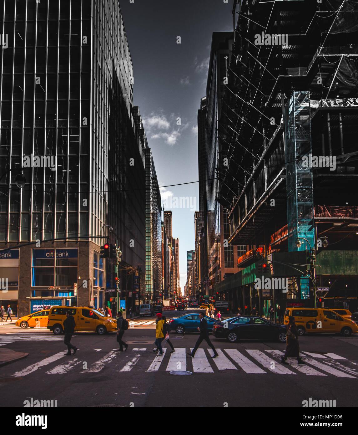 Manhattan Streets: Inspiring Street View Of Midtown Manhattan Stock Photo