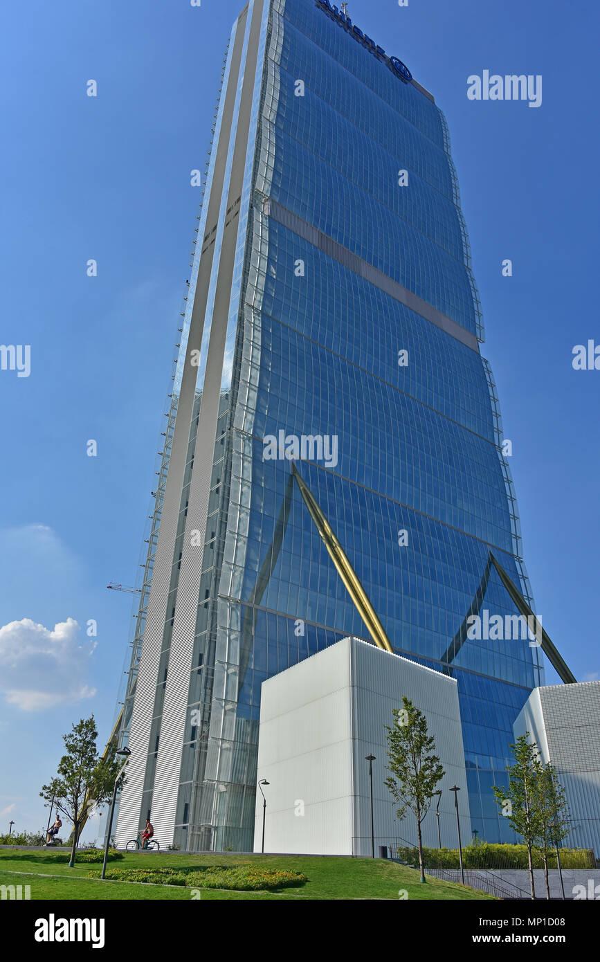 General view of Il Dritto (Allianz Tower), part of CityLife complex, by Arata Isozaki and Andrea Maffei, Milan, Italy Stock Photo