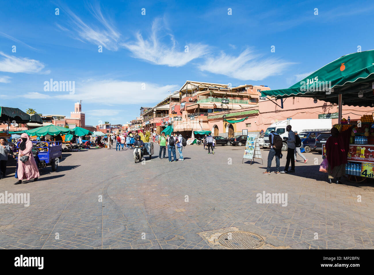 Street vendors in the Jamaa el Fna square, Marrakech, Morocco. - Stock Image