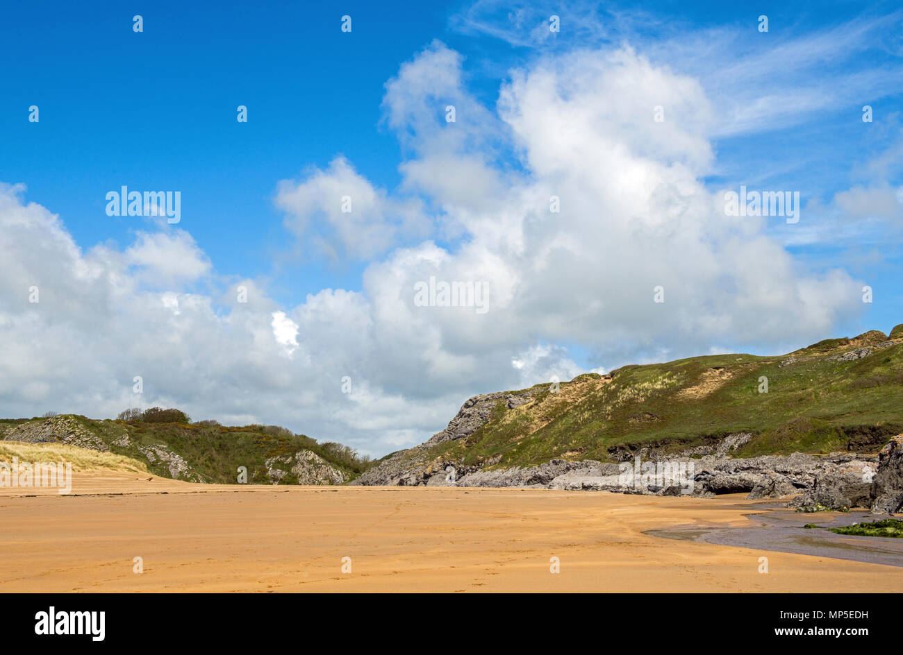 Broad Haven South beach on the south Pembrokeshire Coast, West Wales. - Stock Image