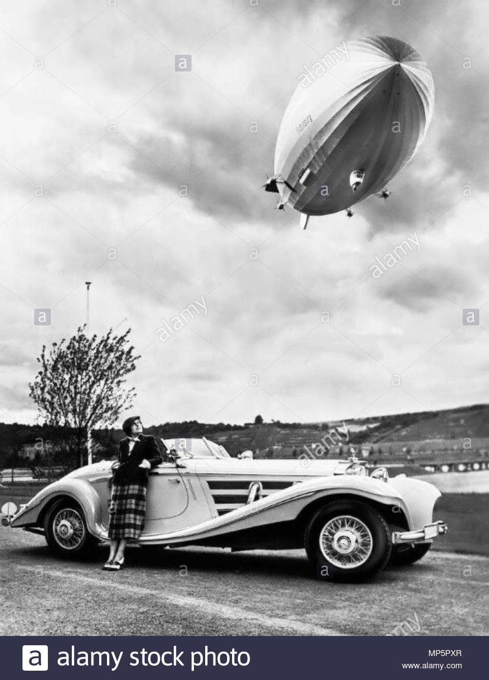 Mercedes Benz 540K Spezial Roadster And Um The Hindenburg