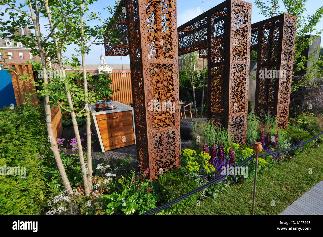 London, UK. 21st May 2018. The Urban Flow garden (designed by Tony ...