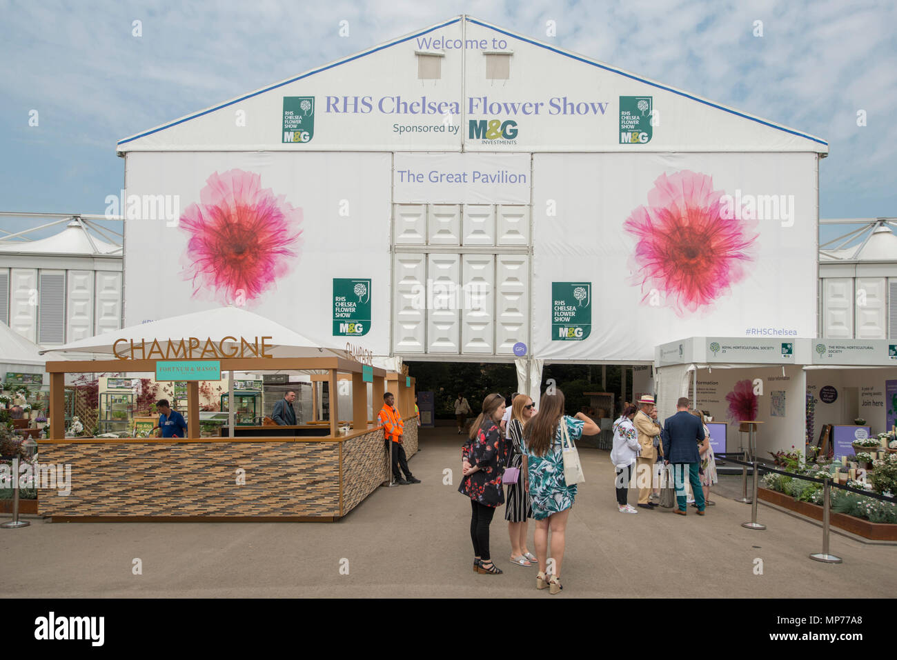 Royal Hospital Chelsea, London, UK. 21 May, 2018. Press day for the RHS Chelsea Flower Show 2018. Photo: Entrance to The Great Pavilion. Credit: Malcolm Park/Alamy Live News. - Stock Image