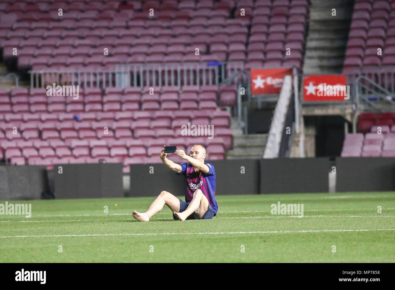SPAIN - 20th of May: Andres Iniesta alone in the grass after  the match between FC Barcelona against Real Sociedad for the round 38 of the Liga Santander, played at Camp Nou Stadium on 20th May 2018 in Barcelona, Spain. (Credit: Mikel Trigueros /Urbanandsport / Cordon Press)  Cordon Press - Stock Image