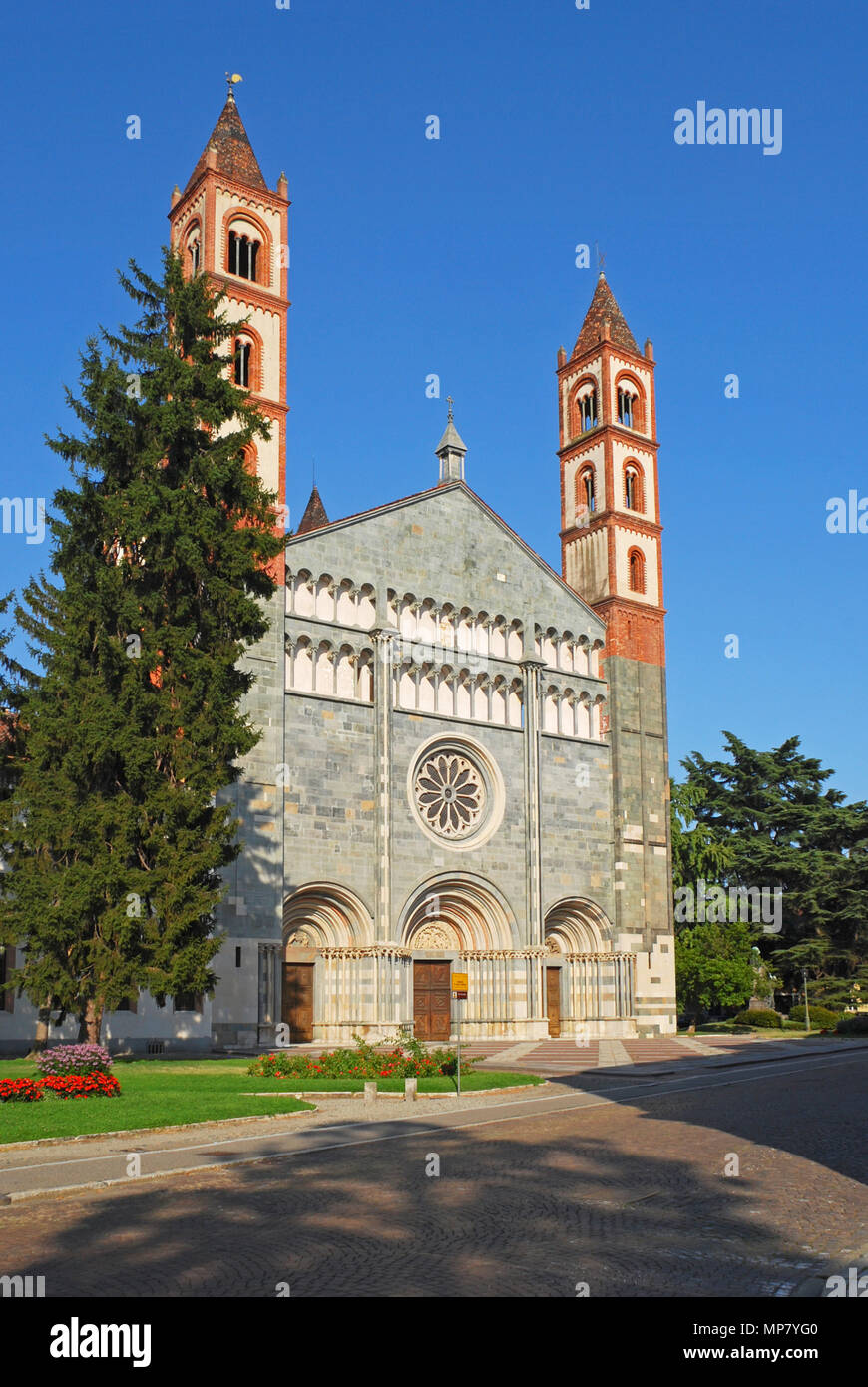 Basilica of St Andrea(1227) in Vercelli - Piedmont - Italy Stock Photo