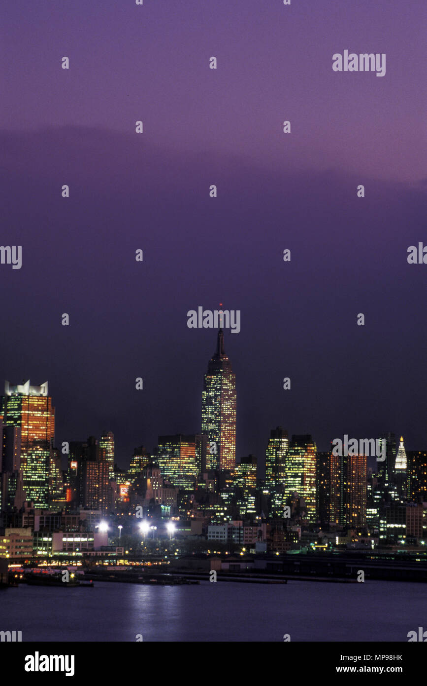 1980s new york skyline stock photos 1980s new york skyline stock images alamy. Black Bedroom Furniture Sets. Home Design Ideas