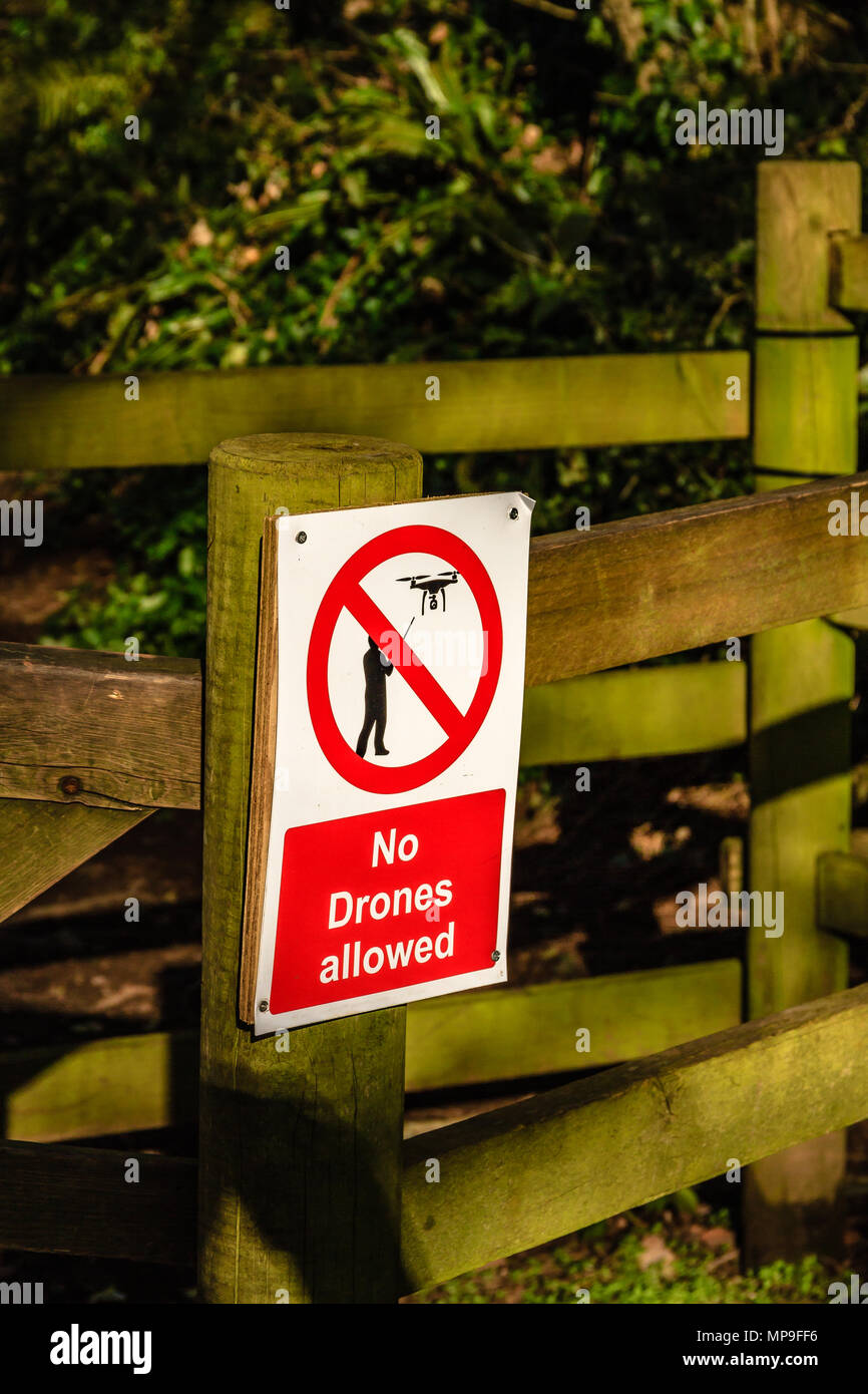 No Drones Allowed sign on a gatepost, March 2018. - Stock Image