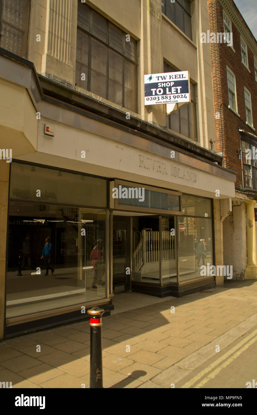 Vacant River Island store York - Stock Image