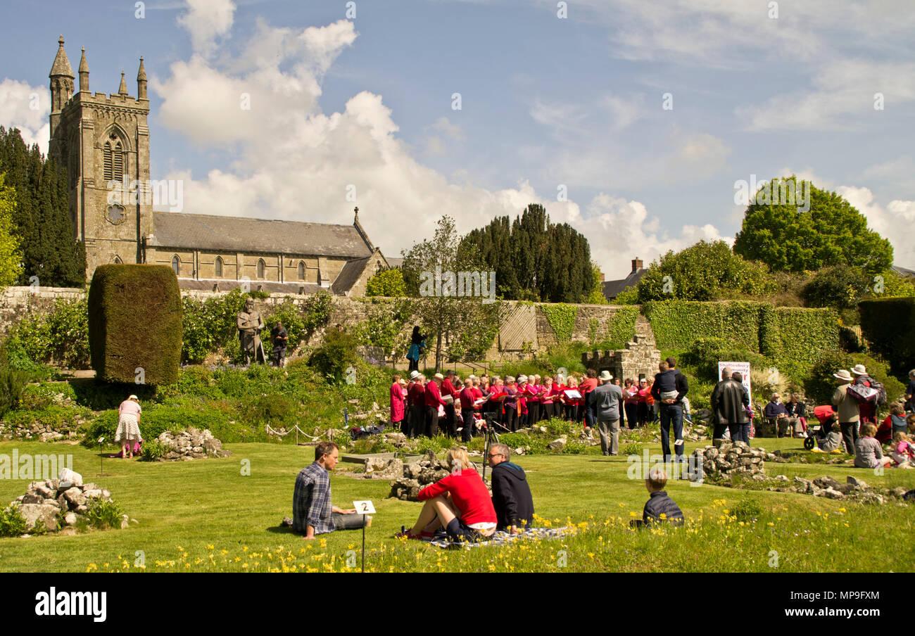 Abbey Gardens Shaftesbury choir concert - Stock Image