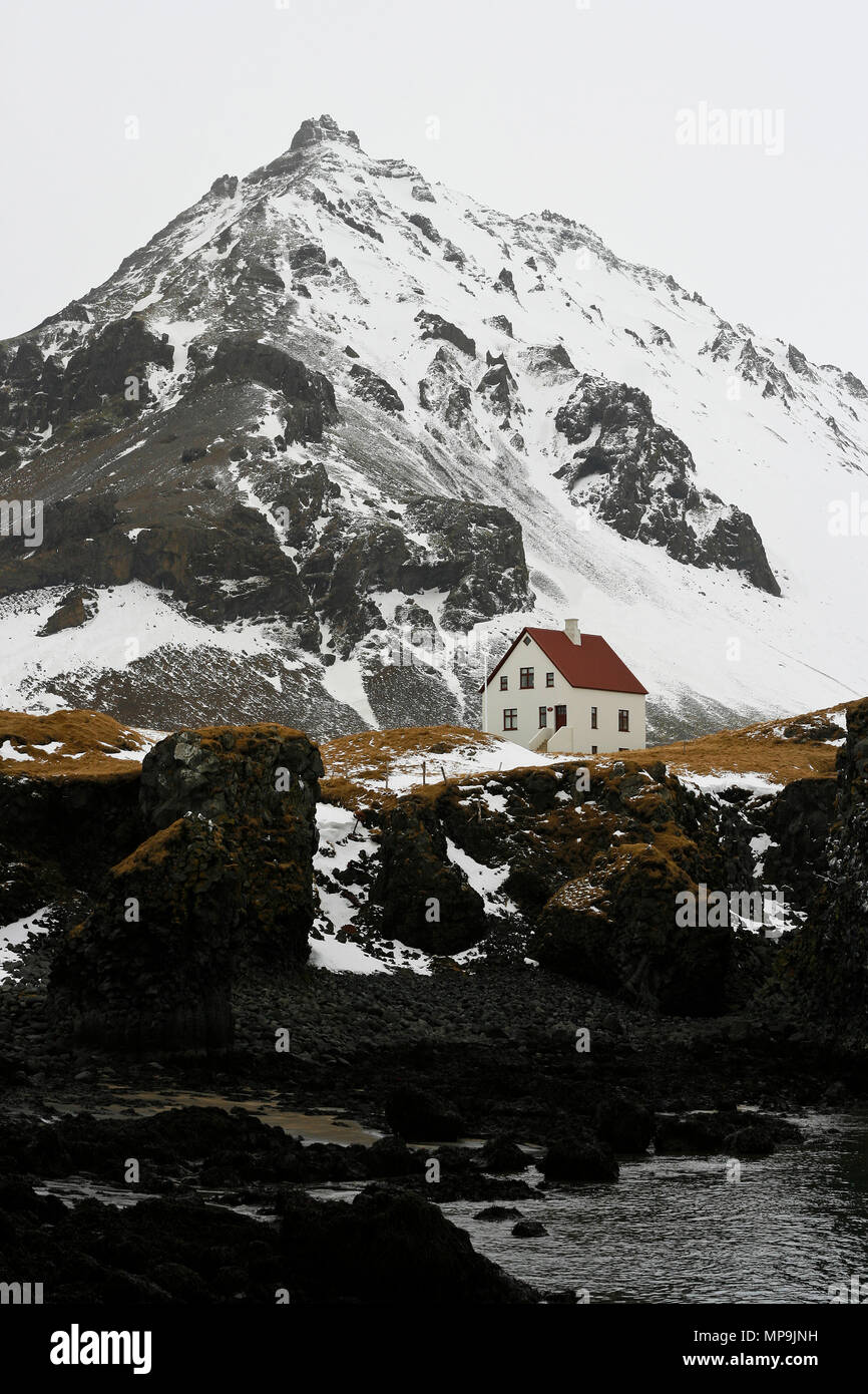 Solitary house in Iceland - Stock Image