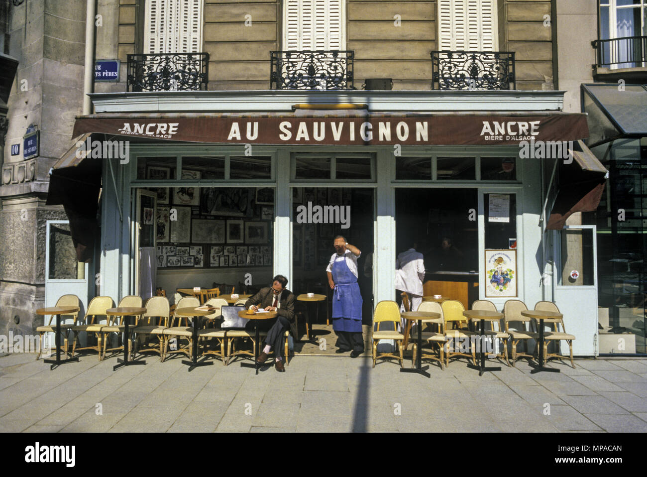 Vintage Paris Cafe High Resolution Stock Photography And Images Alamy