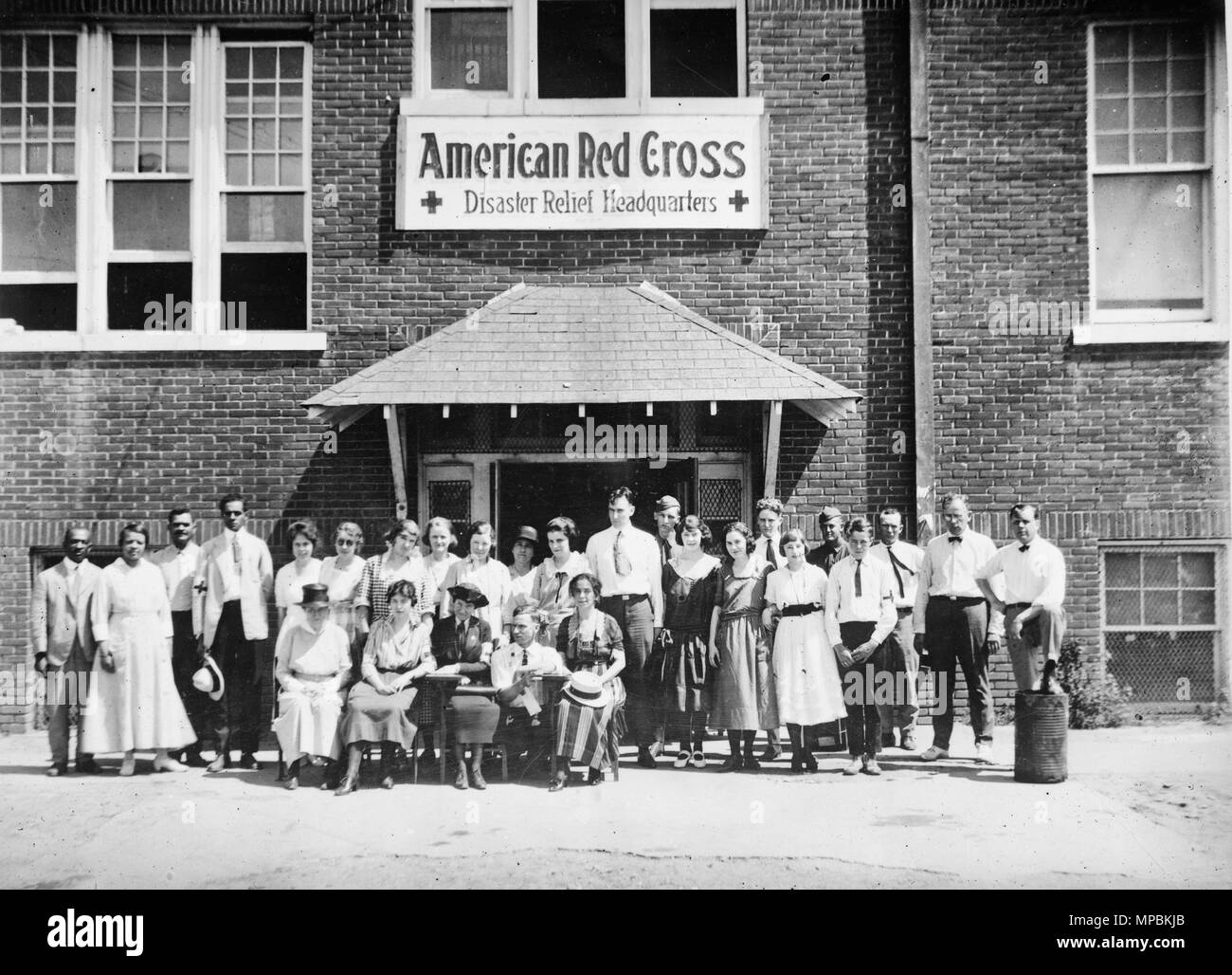 Headquarters staff, American Red Cross Disaster Relief Headquarters, Tulsa, Oklahoma after the race riot of June 1921 Stock Photo