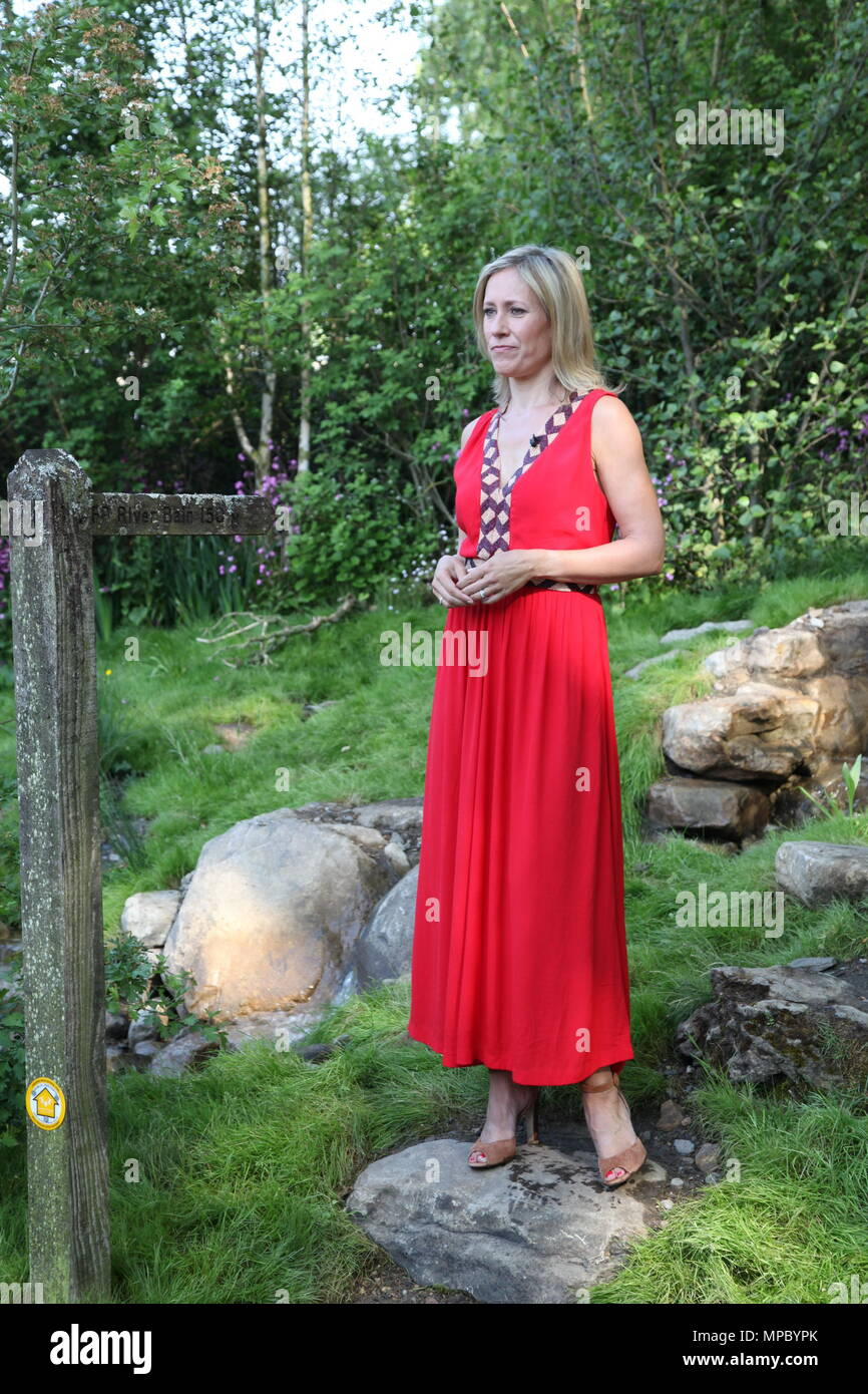 Chelsea, London, UK. 21st May, 2018. Chelsea, London, UK. 21st May 2018. Sophie Raworth on the Welcome to Yorkshire garden at Chelsea Flower Show 2018, designed by Mark Gregory for Landformconsultants.co.uk Credit: Jenny Lilly/Alamy Live News - Stock Image