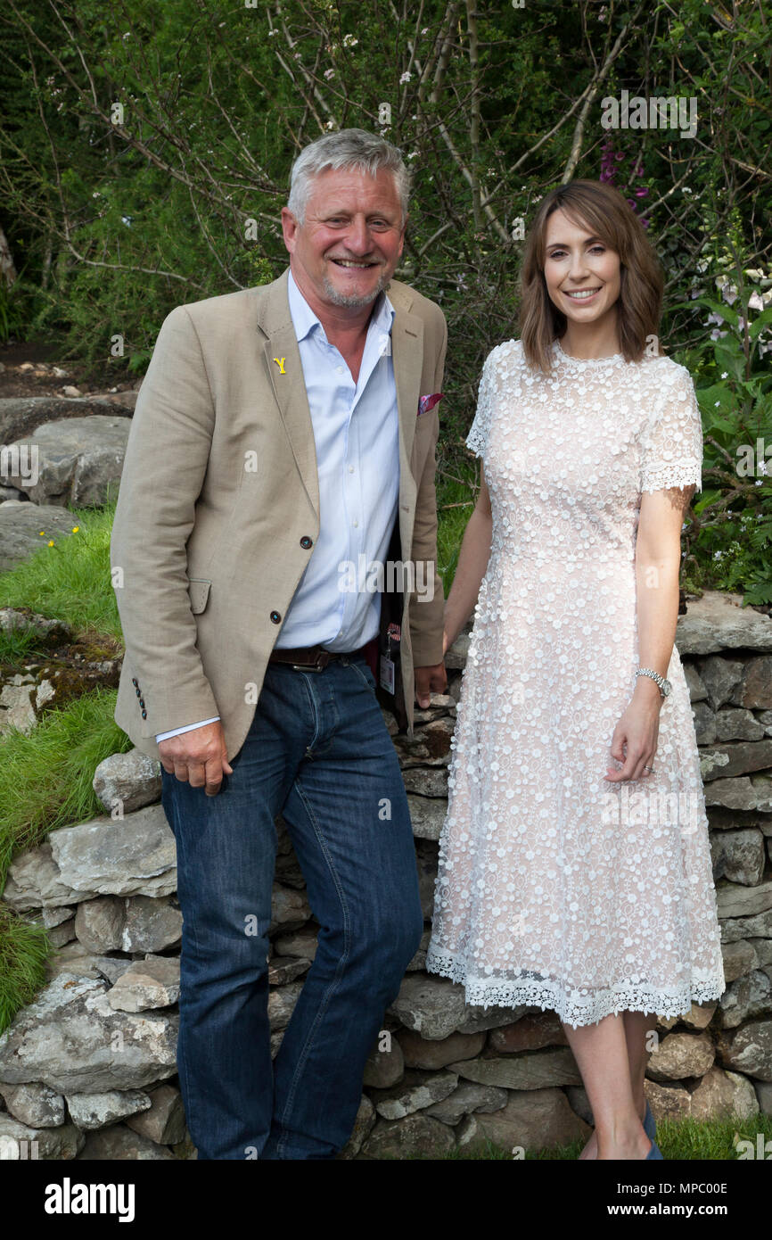 Chelsea, London, UK. 21st May, 2018. Chelsea, London, UK. 21st May 2018. Alex Jones with Designer, Mark Gregory on the Welcome to Yorkshire garden at Chelsea Flower Show 2018, designed by Mark Gregory for Landformconsultants.co.uk Credit: Jenny Lilly/Alamy Live News - Stock Image