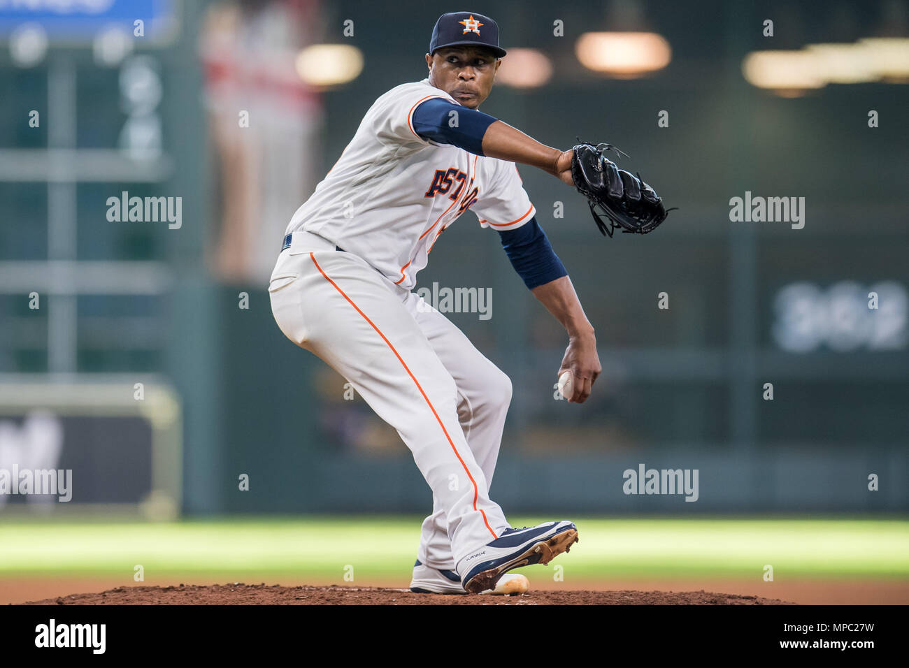 Houston, TX, USA. 19th May, 2018. Houston Astros relief pitcher Tony Sipp (29) during a Major League Baseball game between the Houston Astros and the Cleveland Indians at Minute Maid Park in Houston, TX. Cleveland won the game 5 to 4.Trask Smith/CSM/Alamy Live News - Stock Image
