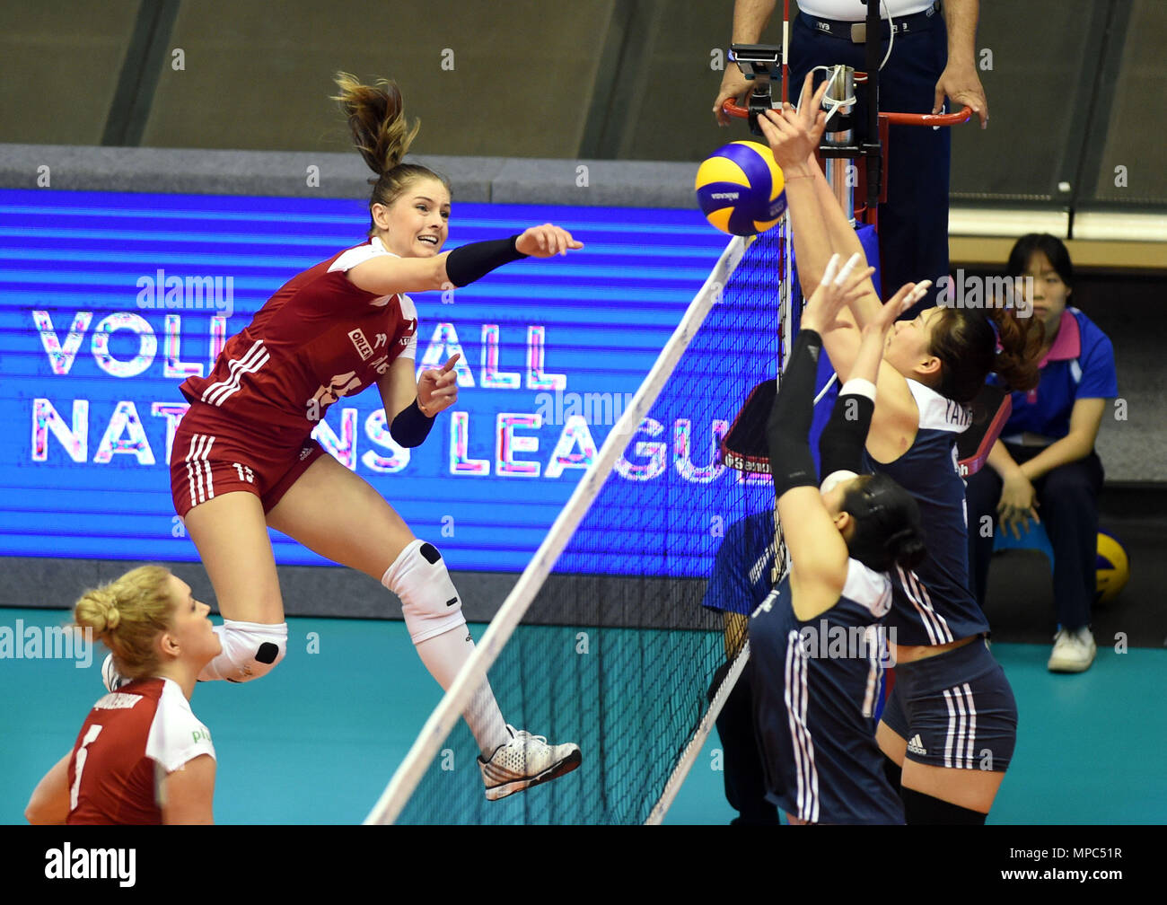 180522 Macau May 22 2018 Xinhua Martyna Grajber 2nd L Of Poland Spikes The