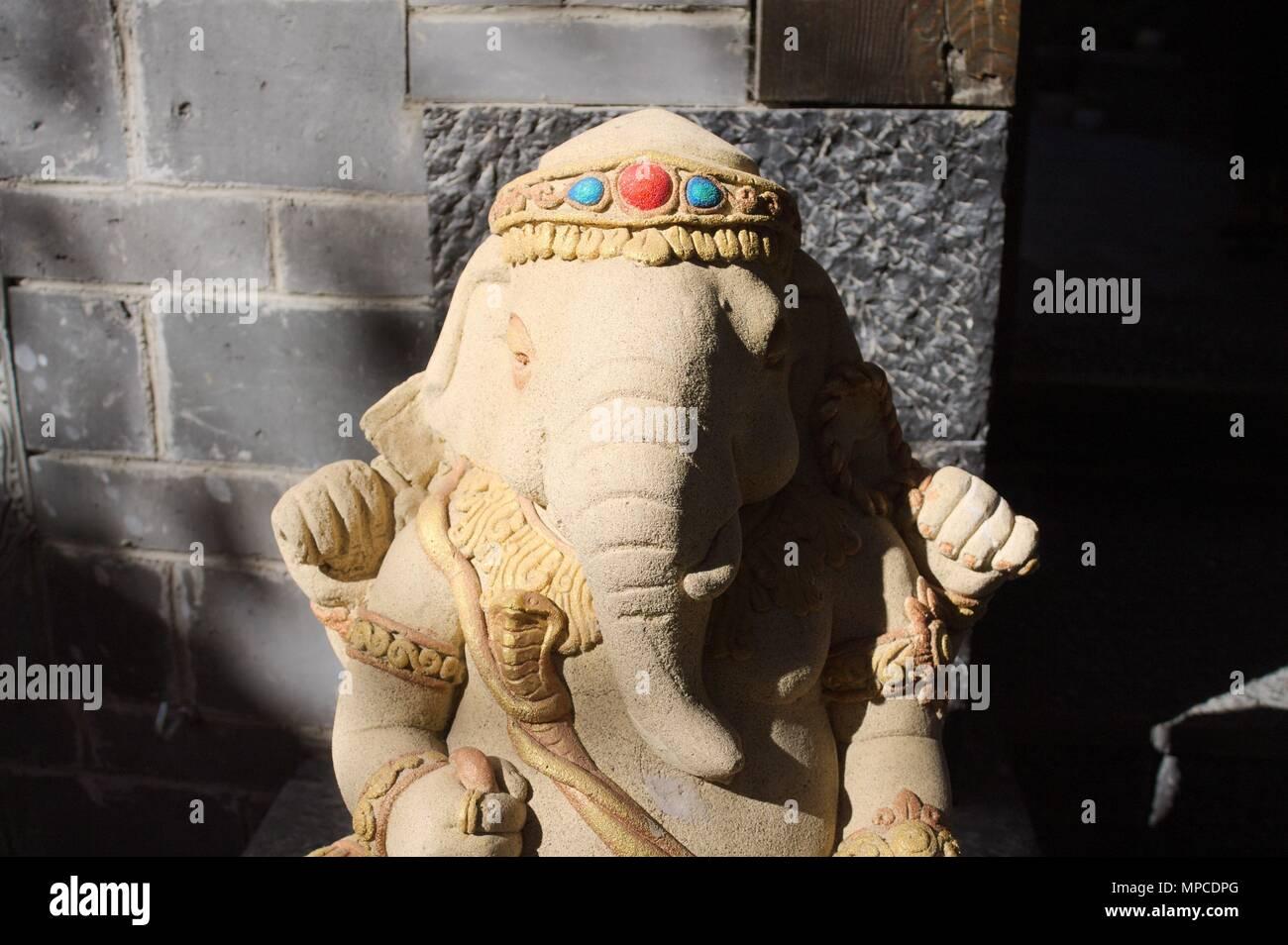 Ganesha statue - Hinduist religion (Old Town of Lijiang, Yunnan, China) - Stock Image