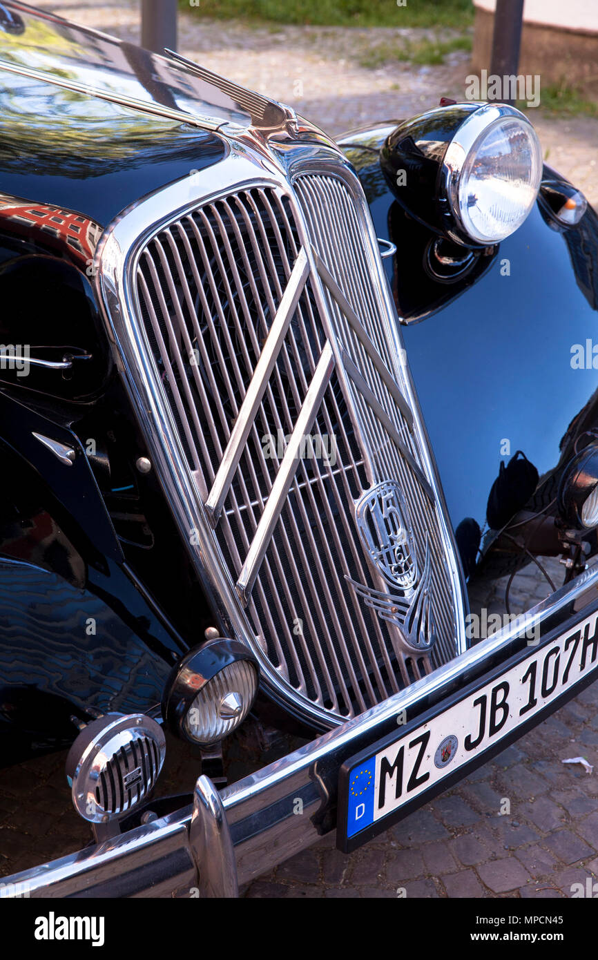 citroen traction avant 15 stock photos  u0026 citroen traction avant 15 stock images
