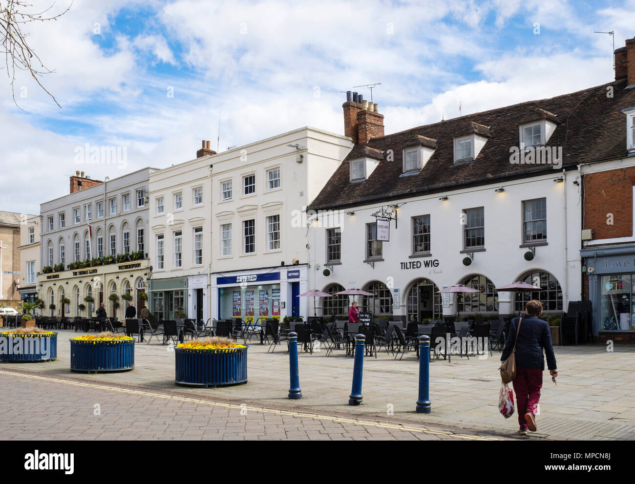 Town centre pubs and Tilted Wig restaurant in Market Place, Warwick, Warwickshire, West Midlands, England, UK, Britain - Stock Image