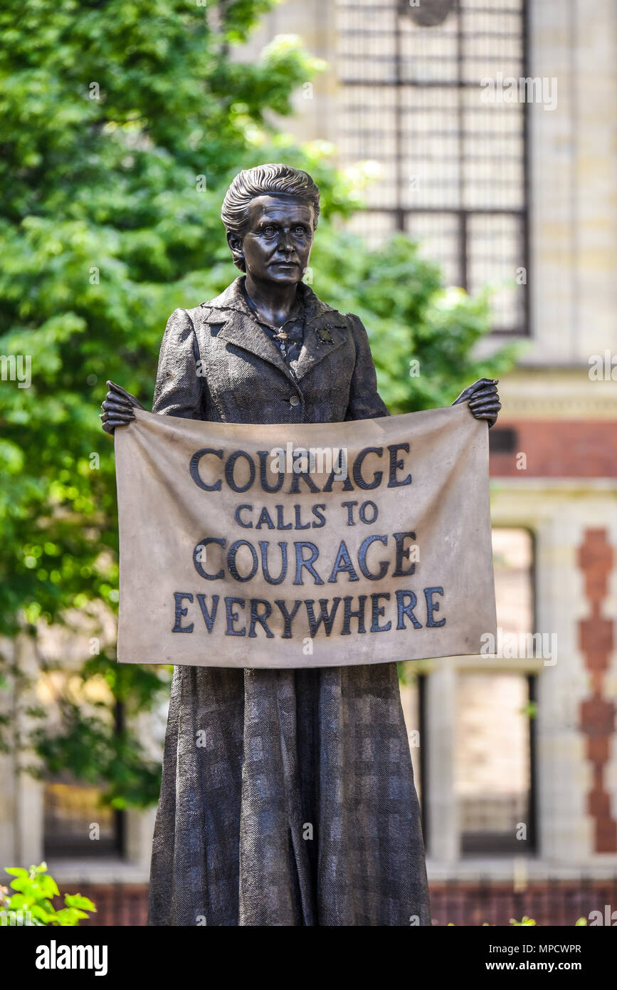 Statue of Dame Millicent Fawcett was unveiled in Parliament Square in London. First statue of a woman in the square. Suffragette. By Gillian Wearing - Stock Image
