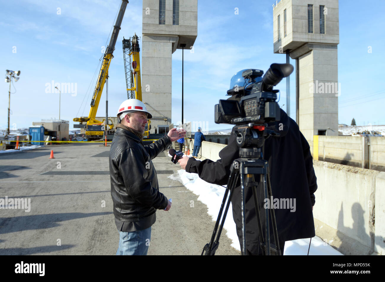 Us Army Corps Of Engineers Project Manager Steve Thompson Basic Electrical Wiring About Provides An Interview Feb 2 2017 To A News Reporter Telling Him The 2016