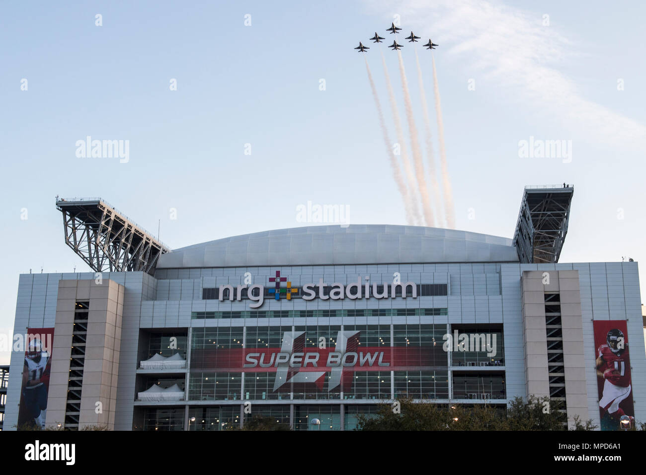 The United States Air Force Thunderbirds Perform The Flyover Of Super Bowl Li In Houston Texas Feb 5 2017 U S Air Force Photo By Tech Sgt Christopher Boitz Stock Photo Alamy
