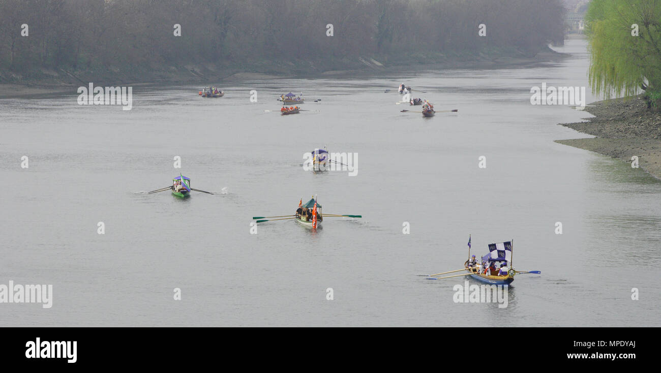 The Xchanging Boat Race, Oxford vs Cambridge University, the river is officially re opened after the race with a flotilla of boats, Thames River, London, 26 March 2011 - Stock Image