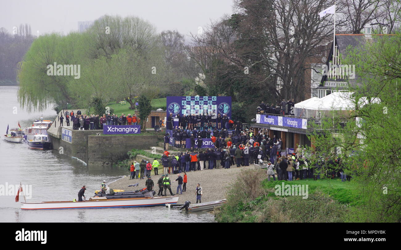 The Xchanging Boat Race, Oxford vs Cambridge University, the Oxford crew celebrate winning the 157th annual boat race trophy  - the Thames River, London, 26 March 2011 - Stock Image